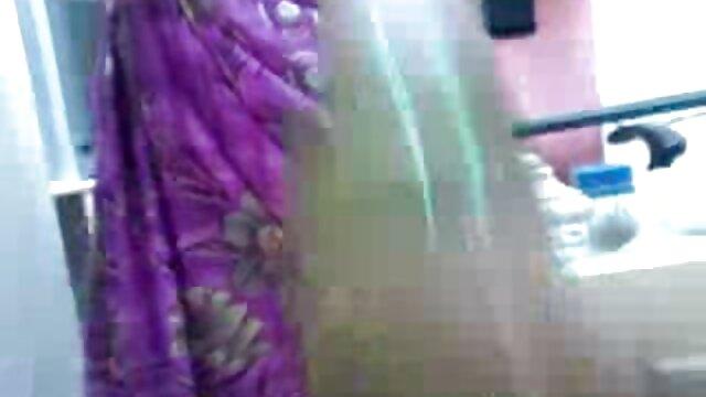 ఆమె తెలుగు సెక్స్ బిట్లు ఫకింగ్ తో ప్లే పరిపక్వ అమ్మాయి