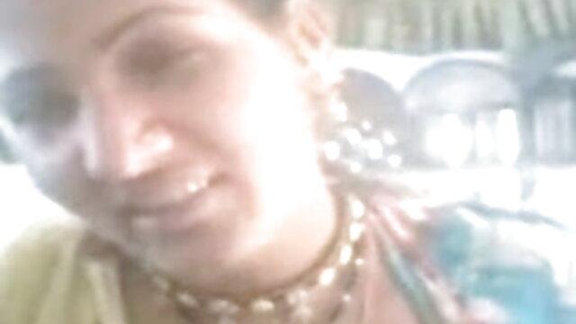రెండు అబ్బాయిలు మరియు మూడు తో అందమైన అద్భుత తెలుగు సెక్స్ ఫుల్ వీడియో స్నేహితురాలు