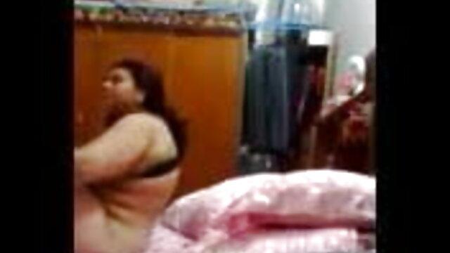 భవిష్యత్తులో వధువు తెలుగు సెక్స్ రొమాన్స్ రేప్ వివాహ దుస్తుల లో అత్యాచారం
