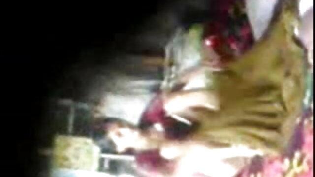 నగ్న బాలుడు తన తల్లి మేల్కొన్నాను మరియు తెలుగు కాలేజీ గర్ల్స్ సెక్స్ took a cock in her open mouth