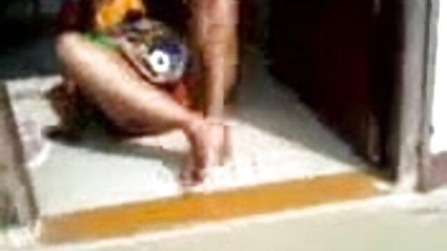 హెచ్ఆర్ మేనేజర్ మరింత మీ కాళ్లు తెరిచి చెప్పారు తెలుగు సెక్స్ క్లిప్స్