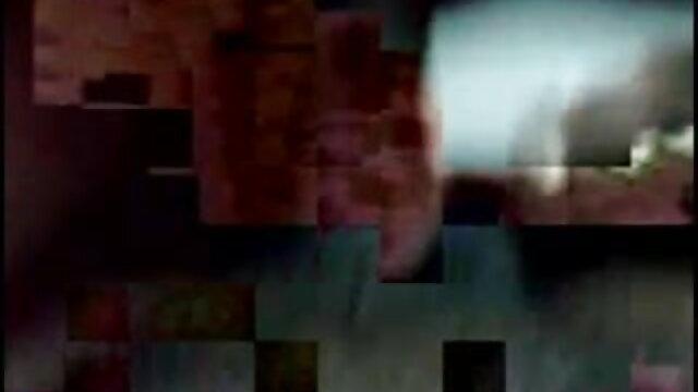 నల్లటి జుట్టు గల తెలుగు సెక్ష్ వీడియోలు స్త్రీని న పురుషాంగము వంటి పరికరము మరియు కిక్ సెషన్