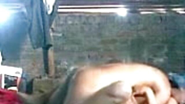 రైతుల కోసం హాలిడే వారితో వాటిని చూడటానికి ఒక యువ పతిత ద్వారా అలంకరించబడి ఉంటుంది తెలుగు సేక్స్ వీడియో తెలుగు సేక్స్ వీడియో