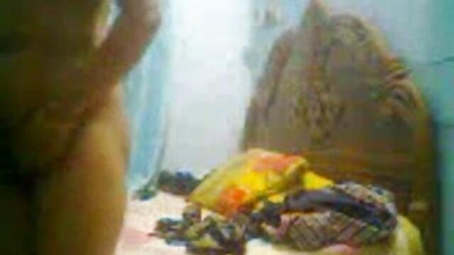 రెండు బ్లోన్దేస్ ఒక హ్యాపీ మాన్ కోసం నిజమైన తెలుగు సెక్స్ వీడియోస్ ప్లీజ్ ఆనందం