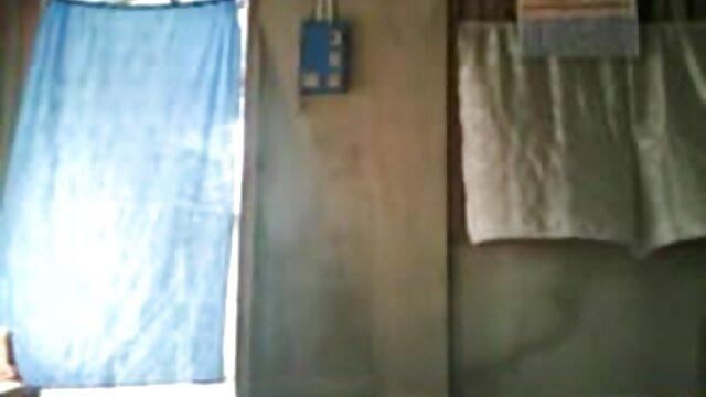ఒక వ్యక్తి తెలుగు సినిమా సెక్స్ వీడియోస్ యొక్క భార్య జంటగా క్లోజ్ ప్రేమికుడు ఆనందించండి