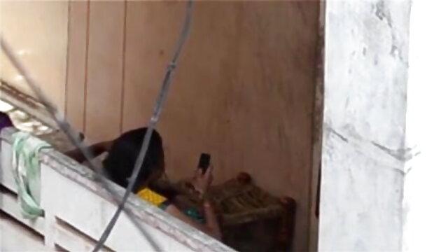 ప్రొఫెసర్ కోన్ లో తన మాస్టర్ క్లాస్ చూపించాడు సెక్స్ వీడియో తెలుగులో