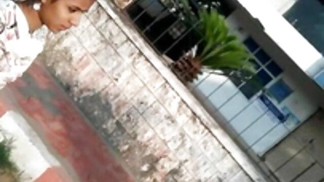 అపార్ట్మెంట్ లో మెన్ తాగిన చిక్ వెళ్ళిపో సెక్స్ తెలుగు మూవీ చెయ్యి