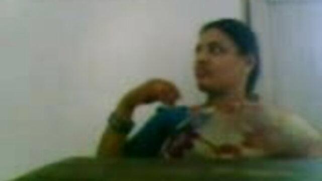 యువకుడు ముడిపడి తన గర్ల్ మరియు సాధారణ లైంగిక ఆమె తెలుగు బిఎఫ్ సెక్స్ రంధ్రం లోకి