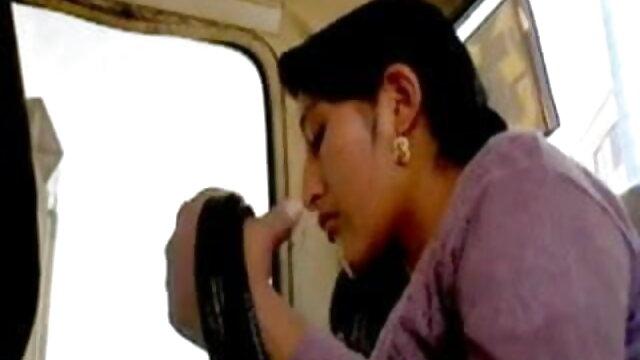 ఒక డెస్క్ మీద కొవ్వొత్తులను బాలికలకు సెక్స్ వీడియోస్ telugu అంటడము