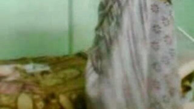 అంగ కాస్టింగ్ ఆపరేటర్లు ఒక తెలుగు సెక్ష్ వీడియోలు మోడల్ చేసిన
