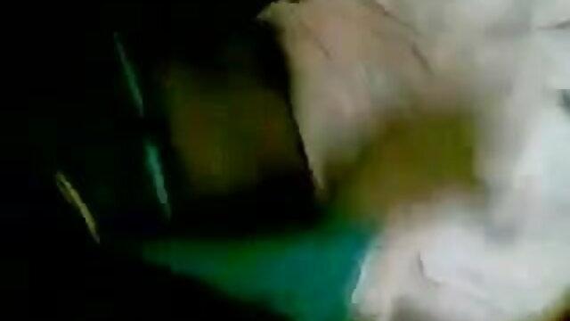 నర్స్ నింపుతుంది తెలుగు ఇంగ్లీష్ సెక్స్ వీడియోస్ dildos లో BB గుహ గుహ