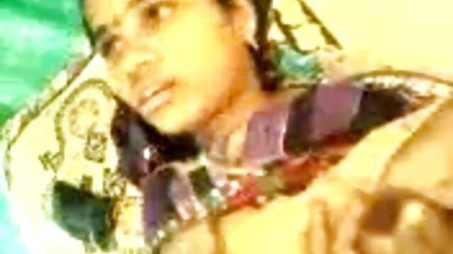 అతని పిల్లులు తో నాశనం, తెలుగు సెక్స్ బిట్లు అతనికి ఛాతీ ఒక రుద్దడం మరియు తిరిగి ఇచ్చింది, వీధి ఆఫ్ బాల పట్టింది