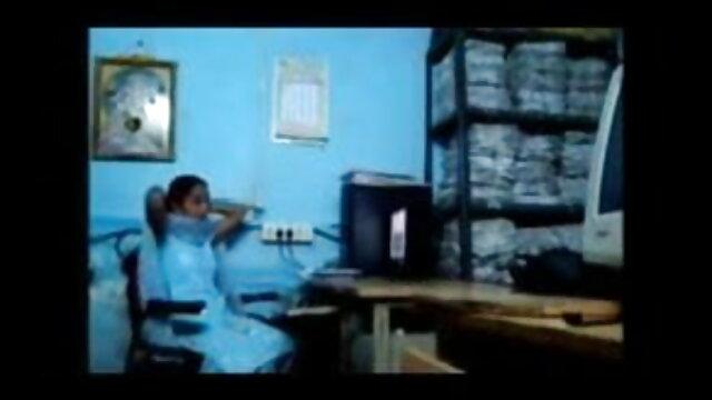 ఆమె న్యూ సెక్స్ వీడియోస్ తెలుగు క్యాన్సర్ తో ఆమె భర్త డక్ వెబ్ కెమెరా మరియు masturbated ఆమె ముఖం మీద