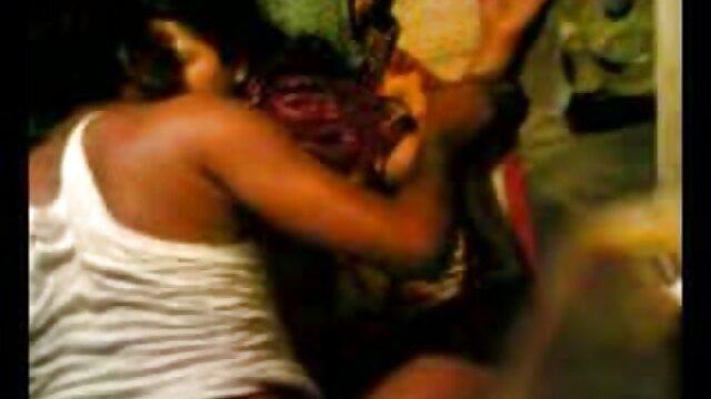 గ్లీ ఆమె ఇంటికి తీసుకు మరియు తెలుగు సెక్స్ సెక్స్ ఆమె తో డక్ ఉండేది మరియు సుశి మాయం