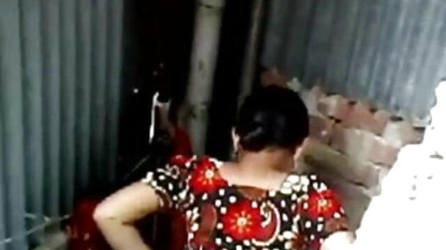 పుల్ లో ఒక మహిళ పెంటీ హౌస్ తెలుగు హీరోయిన్ సెక్స్ వీడియో మరియు cum on her feet