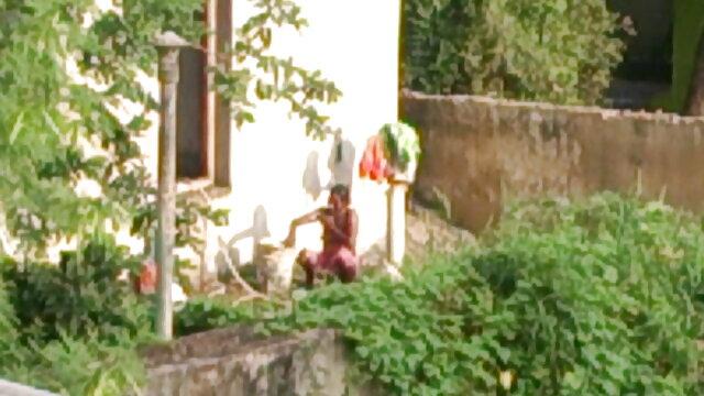 నేను కారు తెలుగు సెక్స్ సెక్స్ రిపేరు సహాయం నా స్నేహితురాలు వచ్చింది.